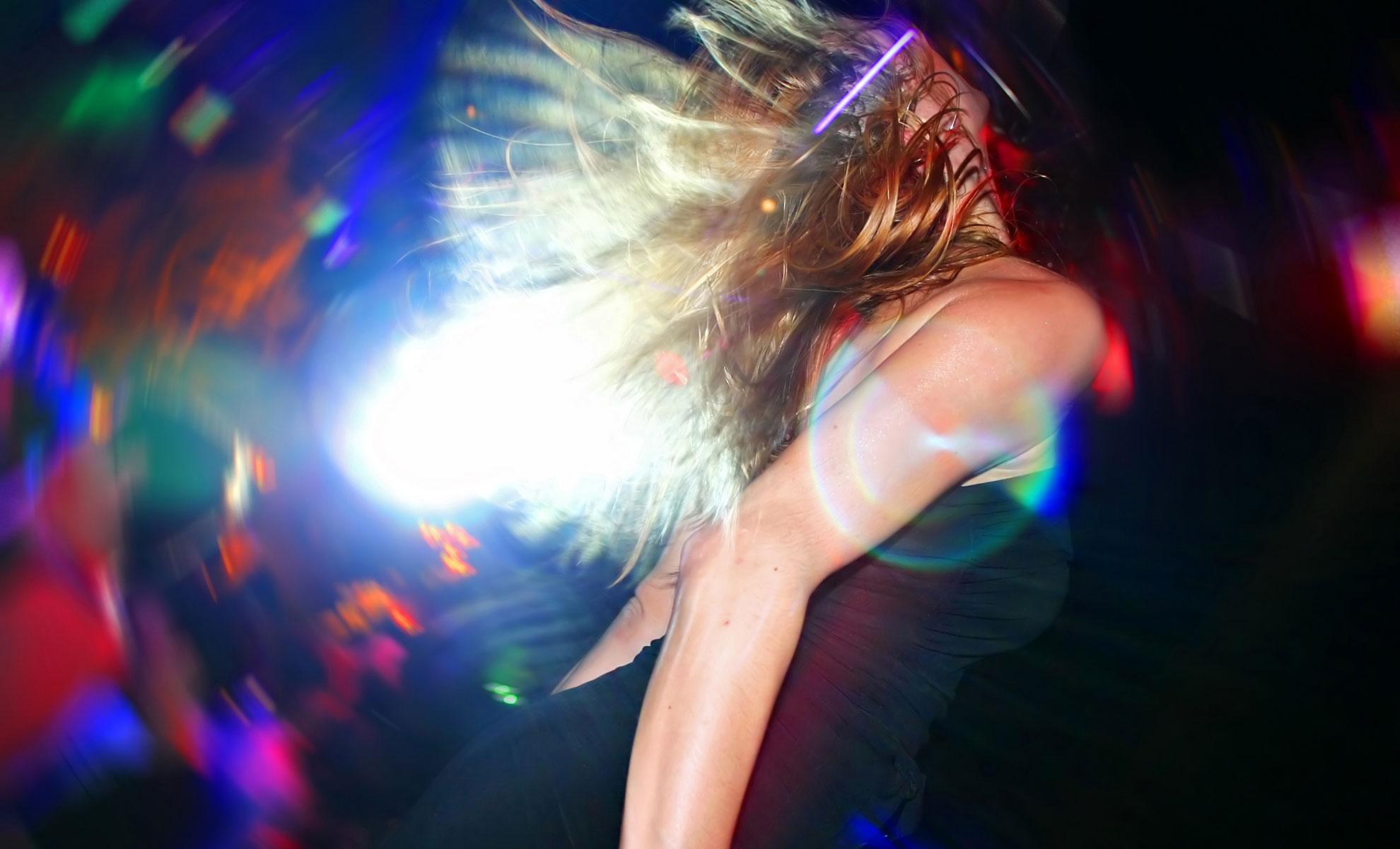 Секси девочка в клубе 20 фотография